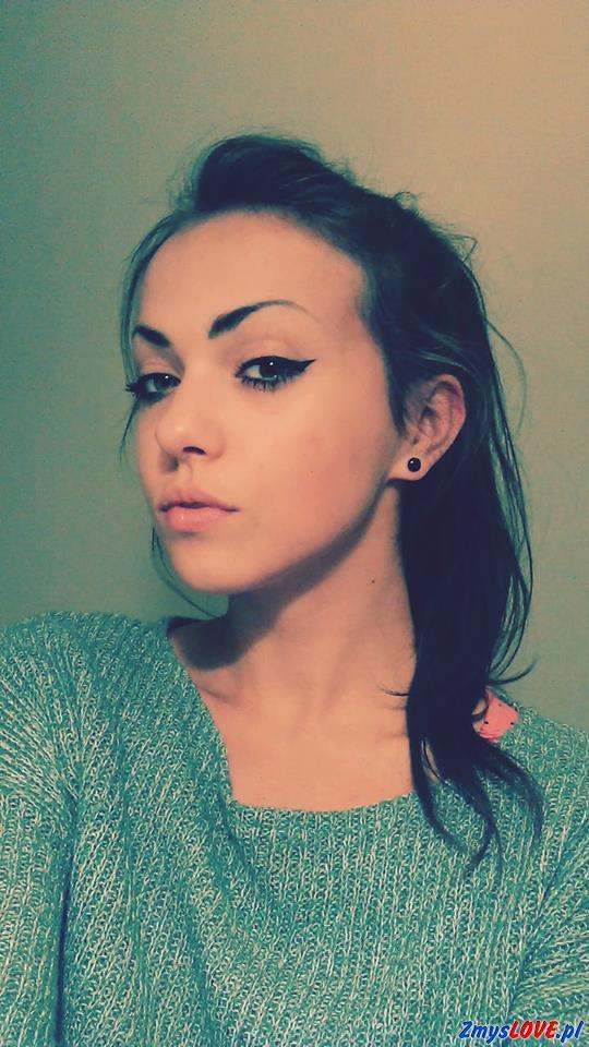 Mirella, lat 19