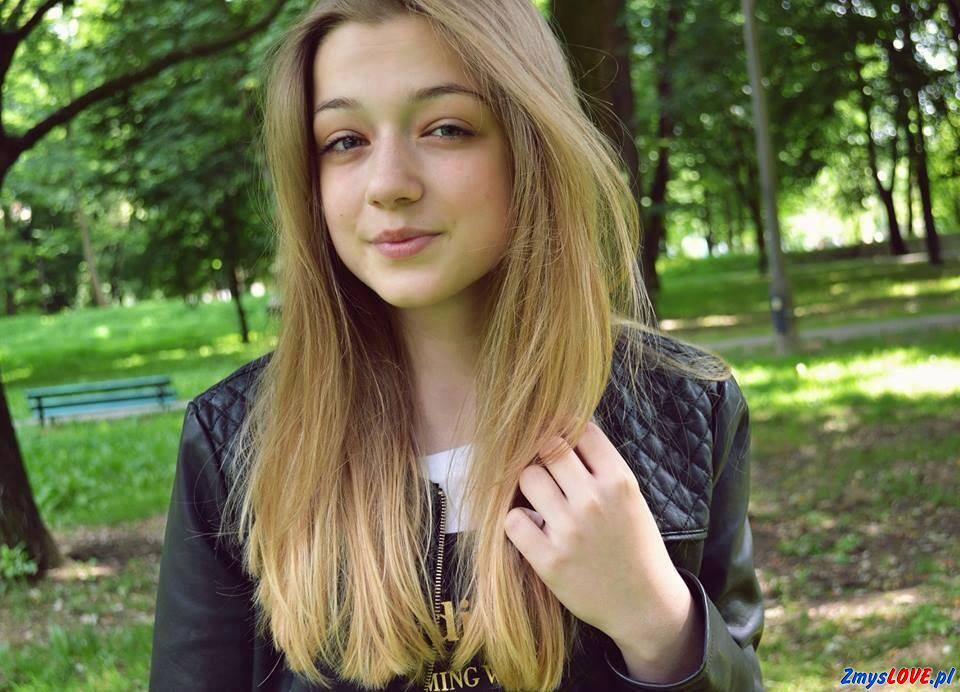 Karolina, 15 lat