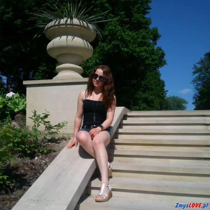 Karolina, 22 lata