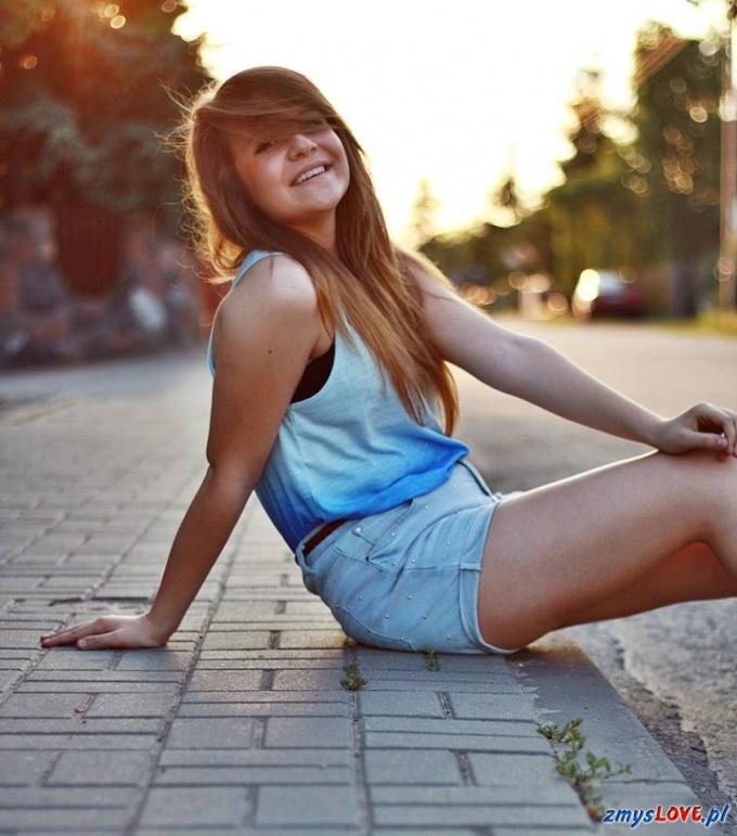 Dominika, lat 17