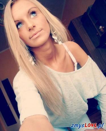 Ania, lat 20