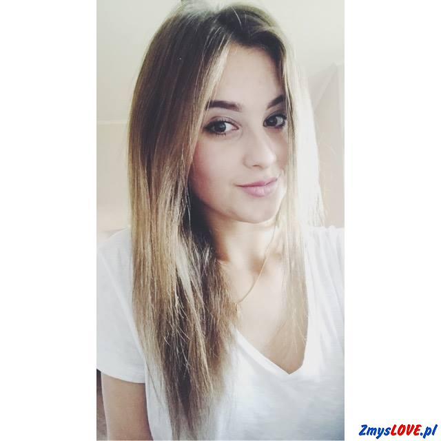 Ula, 19 lat