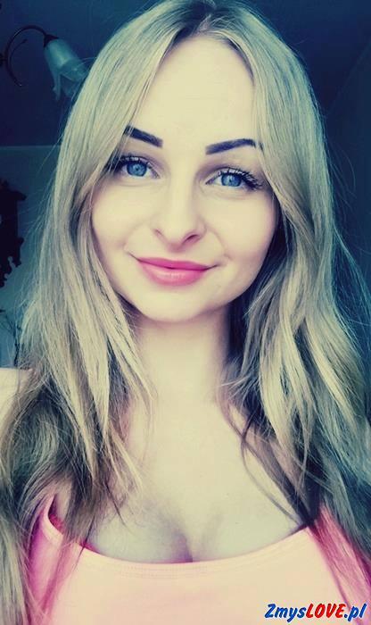 Mira, lat 19, Stawiski