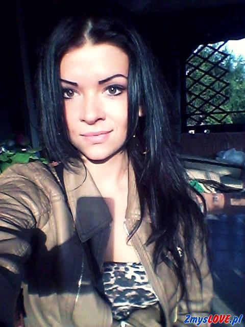 Gabriela, 21 lat, Nekla