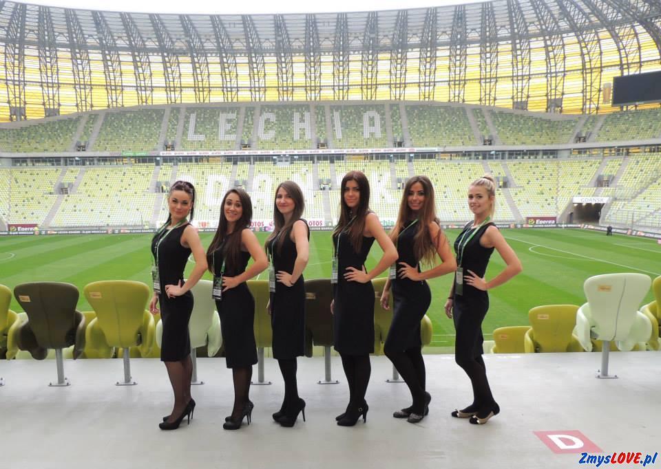Dziewczyny z Gdańska przed meczem Lechii
