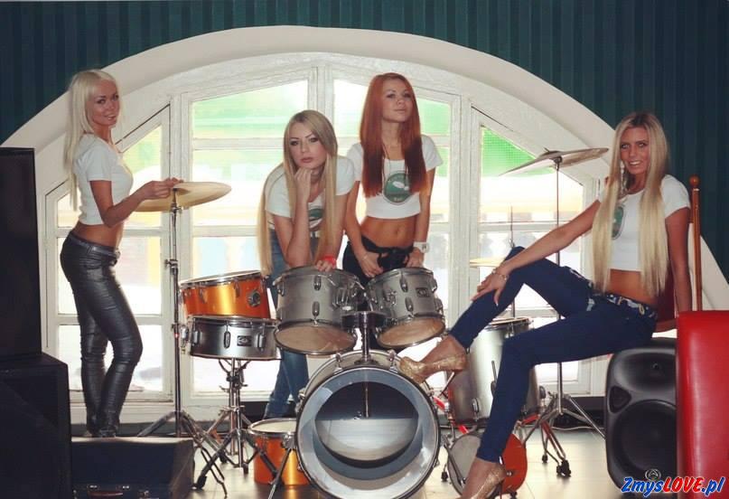 Angela, Wiki, Iwona, Nicola