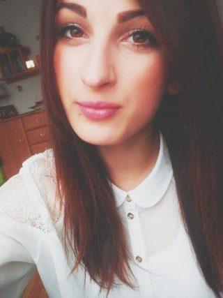 Ala, 16 lat, Brzeg