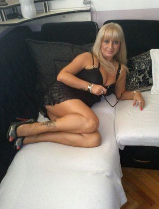 Ela, lat 49, Zagórz